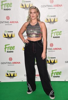 Anne Marie Photos – Anne-Marie poses before performing during Free Radio Live held at Genting Arena on November 2017 in Birmingham, England. Anne Maria, Free Radio, Double Chin, Famous Stars, 1d And 5sos, Female Singers, Celebs, Celebrities, Red Carpet Fashion