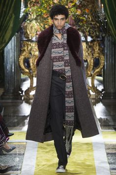 Roberto Cavalli Fall 2016 Ready-to-Wear Collection Photos - Vogue  Tips On How To Display Smart Casual Outfits For Men http://perfecthomebiz.online/category/man-fashion/