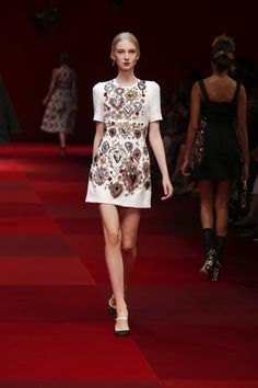 Dolce & Gabbana Online Store, shop on the official store exclusive clothing and accessories for men and women. Milan Fashion, Runway Fashion, High Fashion, Fashion Outfits, Womens Fashion, Fashion 2018, Issey Miyake, Dolce Gabbana Online, Fashion Shows 2015