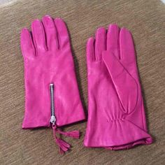 Pink leather gloves These are used, but in great condition! They seem to be a M/L.  Photos show imperfections, please ask questions if need be. Price accommodates shipping and fees:) Merona Accessories Gloves & Mittens
