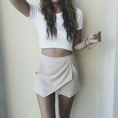 "JENNA BORON on Instagram: ""I meaaaaaan, this skort. @liketoknow.it www.liketk.it/1Cmhc #liketkit"" Funky Fashion, Urban Fashion, Fashion Beauty, Chic Outfits, Sexy Outfits, Spring Outfits, Balenciaga Handbags, Minimal Wardrobe, Summer Clothing"