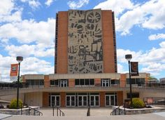 Bowling Green, Ohio - Best College Towns to Visit in the Fall Bowling Green Ohio, Bowling Green State University, University Of Oklahoma, New College, College Years, Top Colleges, College Planning, College Admission, Public School