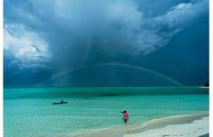 National Geographic Photo Contest 2011 Places Winner Photographed by George Tapan Location: Onuk Island, Balabac, Palawan, Philippines Photographie National Geographic, National Geographic Fotos, National Geographic Photo Contest, National Geographic Photography, Bohol, Places To Travel, Places To See, Art Beauté, Rainbows