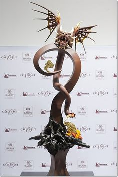 Chocolate sculpture by Mariusz Buritta Chocolate Work, Chocolate Coins, Chocolate Gifts, How To Make Chocolate, Chocolate Recipes, Marzipan, Chocolate Showpiece, In Loco, Chocolates