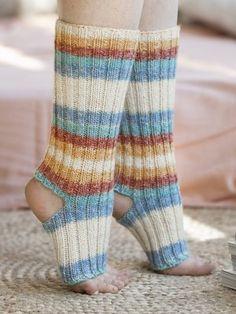 Yoga socks knitted from Novita Louhetar Sock yarn have an open toe and heel. You can also use Novita Nalle yarn. Yoga Socks, Spring Is Here, Sock Yarn, Knit Fashion, Asana, Yarn Crafts, Knitting Socks, Leg Warmers, Knitwear