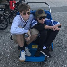 Gene Gallagher, Lennon Gallagher, Oasis Music, Damon Albarn, Music Aesthetic, Baby G, Music People, Beautiful Boys, Beautiful People