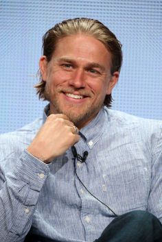 His role in 'Sons of Anarchy' has made Charlie Hunnam a star, with his portrayal of Jackson 'Jax' Teller, the president of an outlaw motorcycle club, who is as tough as any of them, but becomes increa. Jax Teller, Benedict Cumberbatch, Sons Of Anarchy Samcro, Lost City Of Z, Charlie Hunnam Soa, Thing 1, Christian Grey, British Actors, Sexy Men