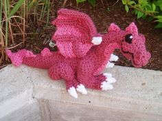 Such a cute amigurumi dragon! I like the details and how they make the dragon look very realistic. This dragon is made by kitsunecreations.
