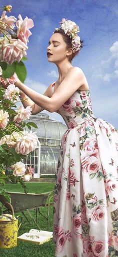 Harper's BAZAAR - Your Source for Fashion Trends, Beauty Tips, Pop Culture News, and Celebrity Style Floral Fashion, Fashion Design, Fashion Trends, Women's Fashion, Look Retro, Pop Culture News, Chic Wedding, Marie Antoinette, Special Occasion Dresses