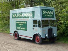 Old Lorries, Commercial Vehicle, Vintage Trucks, Classic Cars, British, Vans, Buses, Diesel, 1960s