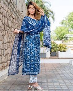 Midnight Blue Printed Dupatta Set Set of three is part of Fashion design dress - Midnight Blue Printed Kurta and Pants with Chiffon Dupatta Simple Kurta Designs, Kurta Designs Women, Salwar Designs, Pakistani Fashion Casual, Pakistani Dresses Casual, Printed Kurti Designs, Indian Designer Suits, Indian Designers, Fashion Designers