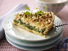 Unser beliebtes Rezept für Italienische Lachs-Spinat-Quiche und mehr als 55.000 weitere kostenlose Rezepte auf LECKER.de.