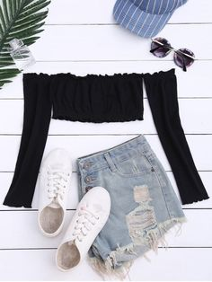 Button Up Off Shoulder Cropped Top - Black PRODUCT DESCRIPTION Material:Cotton Blends,Polyester Collar:Off The Shoulder Sleeves Length:Full Style:Fashion Pattern Type:Solid Color Seasons:Summer