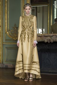 Alberta Ferretti Limited Edition Fall 2015 Couture Fashion Show