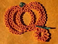 25 Motif Challenge: Interseasonal tatting - of Christmas bells, pumpkins, autumn leaves and more