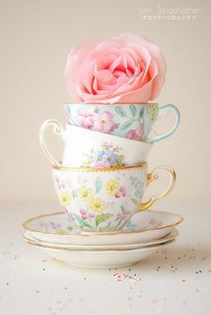 (via teacup centerpiece via ❤ Pink Blue & Yellow ❤ | Pinterest)