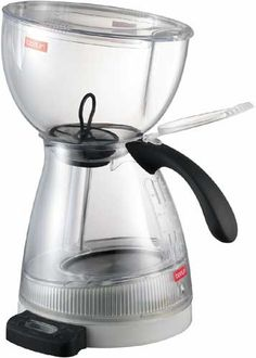 oh how I miss this machine - bodum vacuum coffee maker made the BEST coffee! Free Coffee Maker, Vacuum Coffee Maker, Best Coffee Maker, Coffee Vending Machines, Coffee Equipment, Coffee Machine, Coffee Brewers, Coffeemaker, Coffee Addiction