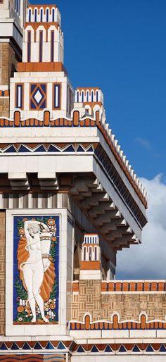 Bacardi building in Havana....gorgeous  Art Deco design.