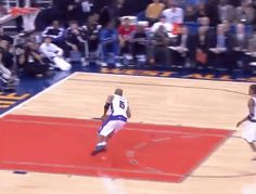 Discover & share this Slam Dunk GIF with everyone you know. Basketball Diaries, Basketball Videos, Basketball Is Life, Basketball Season, Basketball Players, Nba Best Dunks, Blake Griffin Dunk, Kobe Bryant Dunk