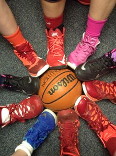 Basketball 5 Second Rule Sport Basketball, Basketball Motivation, Basketball Shorts Girls, Basketball Photos, Basketball Party, Basketball Socks, Basketball Players, Rockets Basketball, Basketball Legends