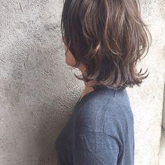 ideas for hair cortes medium locks Mommy Hairstyles, Cool Hairstyles, Pelo Ulzzang, Medium Hair Styles, Short Hair Styles, Glow Hair, Short Layered Haircuts, Hair Arrange, Corte Y Color