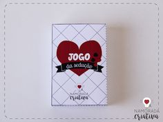 """O Valentine's Day não é uma data muito comemorada por aqui, afinal, temos o nosso Dia dos Namorados em Junho. Mas por ser umacelebração ao amor, é uma bela desculpa para fazer uma surpresa ao seu amor e passar um dia juntinhos, concordam? Pensando nisso, preparei um jogo de cartas sensual para que vocês possam animar a noite do dia 14 de Fevereiro!  O Jogo daSedução é uma adaptação do muito conhecido jogo """"Mau-Mau"""", porém, acrescentei prêmios e ações bem picantes para um jogo ..."""