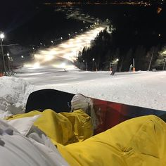 Time to enjoy the World Cup run in Levi Lapland with the amazing floodlighting making the pitch dark of the sky completely redundant  #lapland #snowboard #lappi #snowboarding #visitlapland #ski #visitrovaniemi #rovaniemi #snowboarder #travelling #snow #traveler #visitfinlandjp #tourism #burton #スノーボード #travelingram #skiing #igtravel #europe #traveller #travelblog #tourist #travelblogger #traveltheworld #ourfinland #wakeboard #snowboards #roadtrip #instatraveling Snowboarding, Skiing, Pitch Dark, Kitesurfing, Wakeboarding, Foodie Travel, World Cup, Travel Photos, Tourism