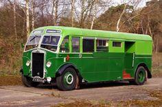 A few of my favourite buses & coaches. London Transport, Public Transport, Vintage Trucks, Old Trucks, Classic Motors, Classic Cars, Mobile Shop, Busa, Bus Coach