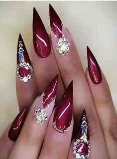 Best Winter Nails Red Colors For Long Nails Art Designs - Joan Wong Summer Acrylic Nails, Cute Acrylic Nails, Cute Nails, Stylish Nails, Trendy Nails, Elegant Nails, Nagel Bling, Long Nail Art, Nagellack Trends