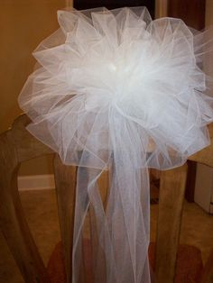 Tulle Bows for Church Pews or Chairs/ Trellis Bows/Fence…Set of 6 Wedding Arch Tulle, Wedding Pews, Wedding Ceremony Flowers, Wedding Church, Wedding Stairs, Church Weddings, Church Pew Flowers, Church Pews, Wedding Pew Decorations