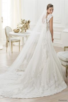 Trouwjurk voor 2014 van Pronovias     /     pronovias bridal 2014 costura lencie wedding dress lace straps #weddingfair