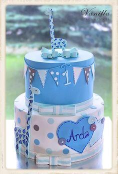 Babyboy 1st birthday Cake w. Giraffes... Giraffe Caketopper. 1 yaş erkek bebek pastası. Zürafalı Pasta.