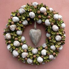 Šnečí / Zboží prodejce KYTKA DESIGN | Fler.cz Autumn Wreaths, Christmas Wreaths, Christmas Decorations, Holiday Decor, Outdoor Flower Planters, Outdoor Flowers, Seashell Wreath, Floral Wreath, How To Make Wreaths