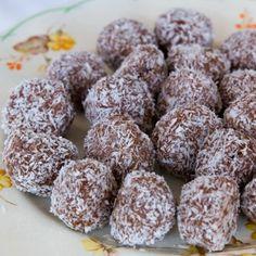 I Quit Sugar - Choc-Cashew Bliss Balls Substitute with coconut flour!