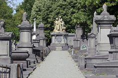 Kerkhof van Laken, Onze-Lieve-Vrouw-van-Lakenvoorplein in Brussel-Laken/ Cimetière de Laeken, parvis Notre-Dame à Bruxelles-Laeken  (foto/photo: A. de Ville de Goyet, GOB/SPRB)