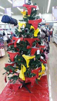 Nuestras decoraciones de los árboles de navidad son únicas - Es un árbol muy sexy