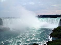 niagara falls from the canadian side :: travel hike eat repeat
