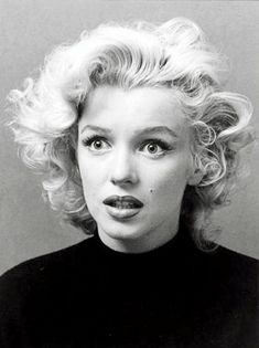 Marilyn Monroe, an extraordinary portrait photograph by Ben Ross via thebeautyofmarilyn Julie London, Maquillage Marilyn Monroe, Fotos Marilyn Monroe, Marilyn Monroe Hair, Marilyn Monroe Portrait, Stars D'hollywood, Photos Rares, Portrait Studio, Glamour
