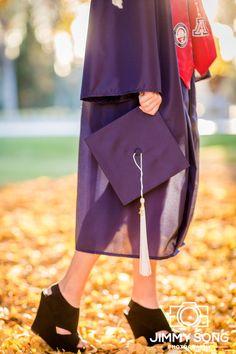 University of Arizona Senior Graduation Portraits Picture Idea  Dress glow gold grad pic