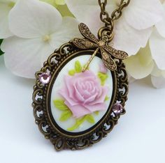 Nostalgic necklace in bronze with rose cameo, choice between 3 colours, antique necklace, cameo jewellery, larp necklace