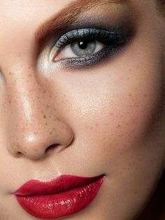 Hot eyeliner makeup inspiration Love the freckles, beautiful Kiss Makeup, Love Makeup, Makeup Inspo, Makeup Inspiration, Hair Makeup, Makeup Ideas, Fun Makeup, Perfect Makeup, Gorgeous Makeup