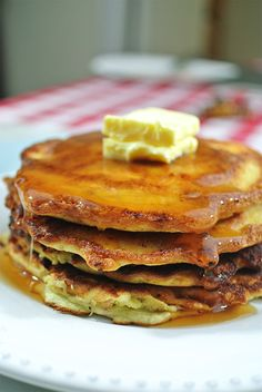 High Protein, Low Carb Pancakes! One day last weekmy body decided thatI want pancakes. I had to create a recipe that resulted in the perfect, fluffy, high protein, low carb pancakes. This post is my success! I never even liked pancakes to begin with. In thedays before keto, I never ordered pancakes at