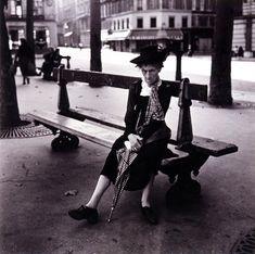 Édouard Boubat: Place St. Sulpice, 1947 - Gelatin silver print