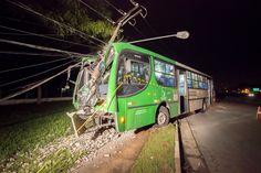 #Polícia: Assalto a ônibus termina em acidente Zona Oeste de São Paulo