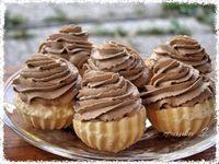 Picture of Recept - Rakvičkové košíčky s pařížskou šlehačkou Slovak Recipes, Czech Recipes, Slovakian Food, Czech Desserts, Waffle Cake, Sweet Cookies, Dessert Buffet, Pavlova, Desert Recipes
