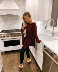 All The Happy Tears because the kitchen is finally DONE! Fashion Beauty, Girl Fashion, Fashion Outfits, Fall Winter Outfits, Autumn Winter Fashion, Mom Outfits, Cute Outfits, School Outfits, Winter Trends