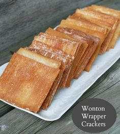 Homemade crackers made out of wonton wrappers. Making homemade crackers has never been easier! Cheap Appetizers, Appetizer Recipes, Snack Recipes, Dessert Recipes, Cooking Recipes, Snacks, Fast Recipes, Desserts, Dinner Recipes