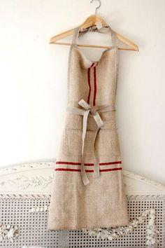 Vintage Grain Sack Apron Reserved for Michele di maisondemichele Diy Vintage, Aprons Vintage, Looks Vintage, Vintage Linen, French Vintage, Couture Main, Diy Couture, Textiles, Techniques Couture