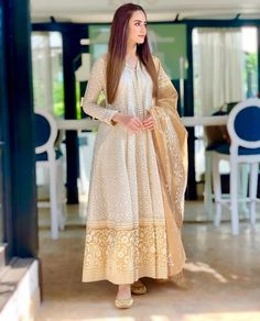 We have the best designer style for salwar suits according to your needs. Shop georgette anarkali salwar suit for ceremonial, reception and wedding. Pakistani Fashion Party Wear, Pakistani Dresses Casual, Pakistani Bridal Dresses, Pakistani Dress Design, Indian Fashion, Casual Dresses, Pakistani Clothing, Casual Frocks, Formal Dresses