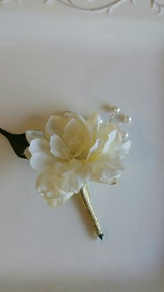 Check out this item in my Etsy shop https://www.etsy.com/listing/465322294/sale-6-ivory-and-gold-wedding